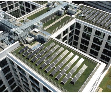 60 Construction of Solar Green Roof